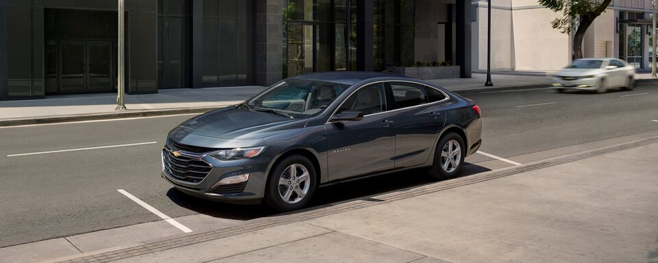 2020 Chevrolet Malibu Sedan Front Side View