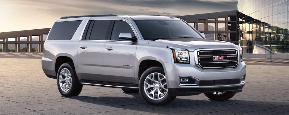 2019 GMC Yukon XL Full size SUV Exterior Front Side View
