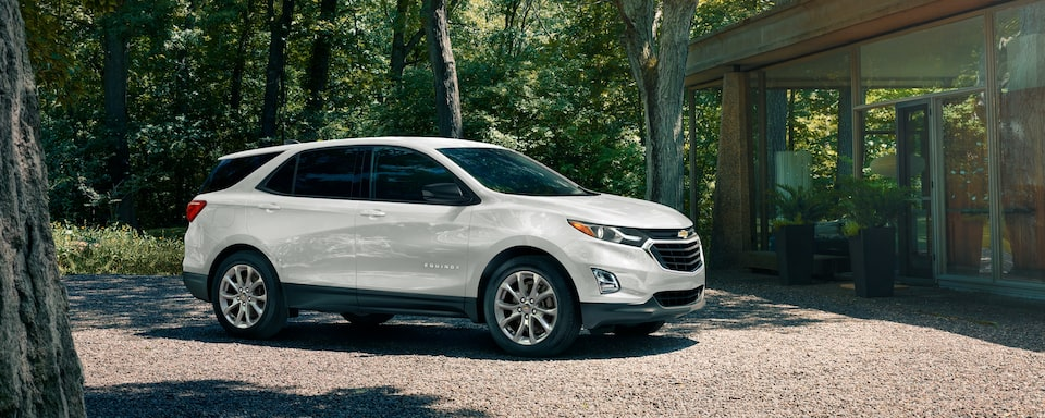 2020 White Chevrolet Equinox Small SUV Exterior Side View
